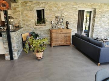 Rénovation et extension d'une habitation avec sol en béton ciré à Vallet