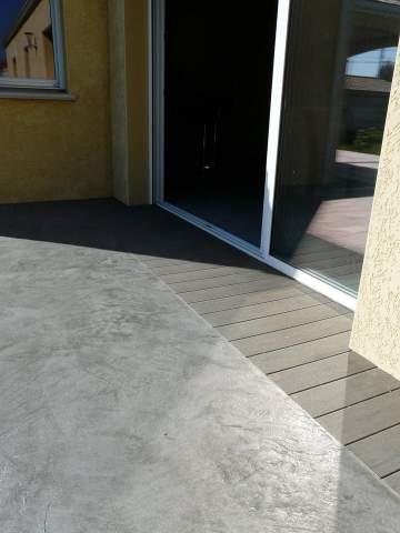 Pose d'une terrasse en béton imprimé au Sud de Nantes